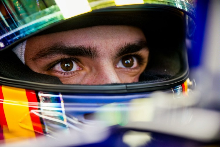 Carlos Sainz 8