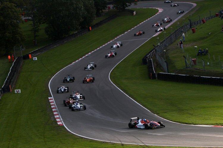 F4_Brands Hatch Start