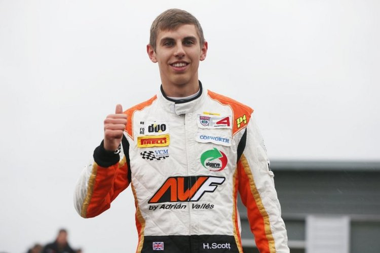 Scott Dominates Opening Race At Snetterton To Claim