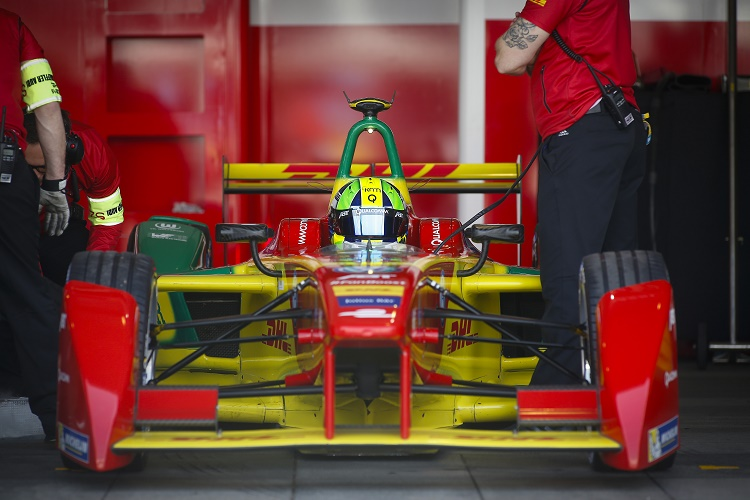 FIA Formula E Championship 2015/16. Beijing ePrix, Beijing, China. Qualifying Session. Lucas Di Grassi (BRA), ABT Audi Sport FE01  Beijing, China, Asia. Saturday 24 October 2015 Photo: Adam Warner / LAT / FE ref: Digital Image _L5R1998