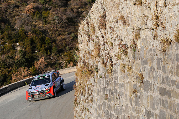 All three Hyundai i20s finished the rally, including Hayden Paddon's 2015 car which rejoined under Rally2 rules. (Credit: Hyundai Motorsport)