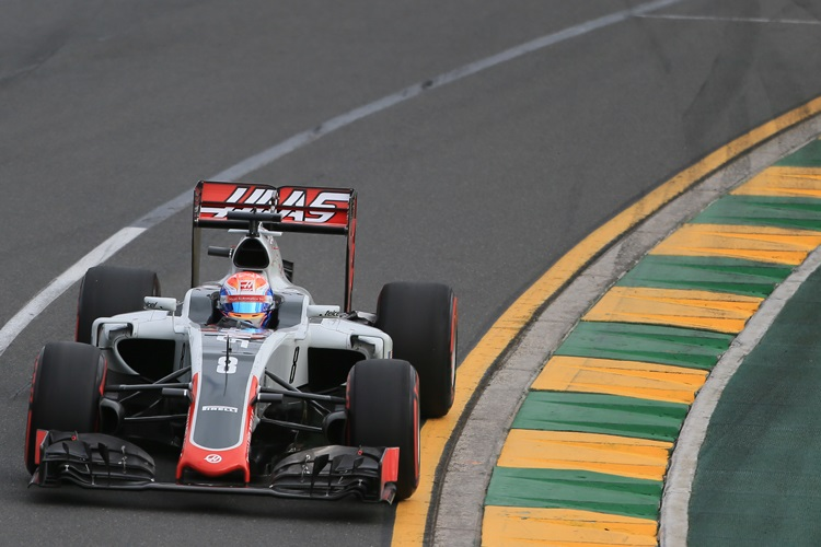 Romain Grosjean secured a points finish on Haas' F1 debut (Credit: Octane Photographic Ltd)