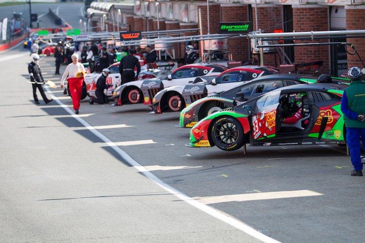 Brands Hatch pits