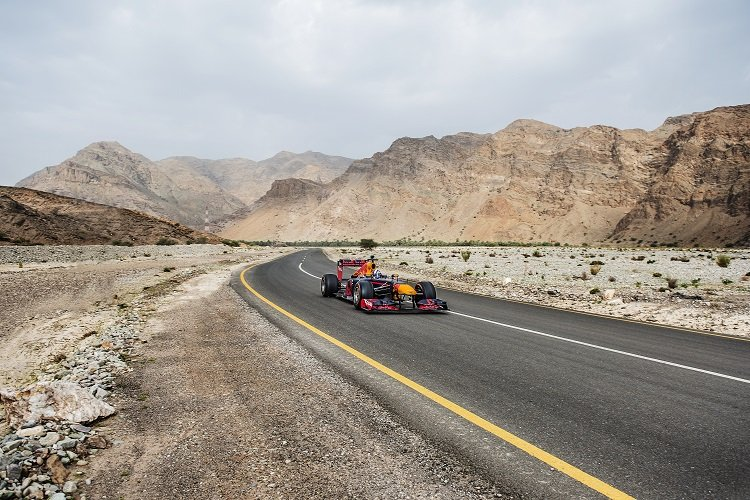 David Coulthard performs during Red Bull F1 Showrun at Mutrah in Sultanate of Oman on April 8th, 2016