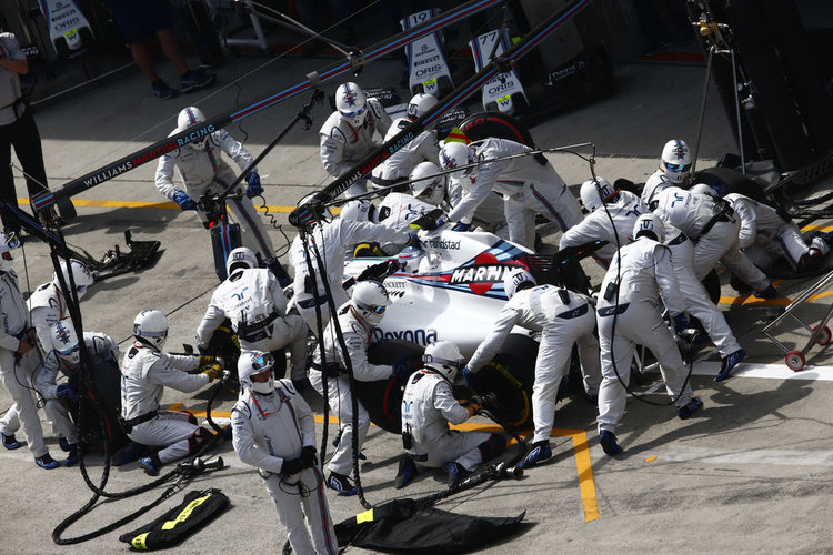 Shanghai International Circuit, Shanghai, China. Sunday 17 April 2016. Valtteri Bottas, Williams FW38 Mercedes, makes a pitstop. Photo: Zak Mauger/Williams ref: Digital Image _L0U4238