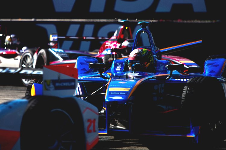 2015/2016 FIA Formula E Championship. Long Beach ePrix, Long Beach, California, United States of America. Saturday 2 April 2016. Robin Frijns (NLD), Andretti - Spark SRT_01E. Photo: Zak Mauger/LAT/Formula E ref: Digital Image _79P6441