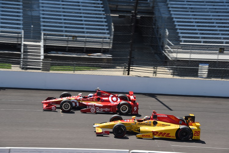 Scott Dixon & Ryan Hunter-Reay - Credit: Jim Haines / IndyCar