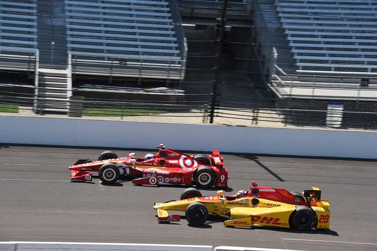 Scott Dixon & Ryan Hunter-Reay - Credit: Jim Haines / IndyCar