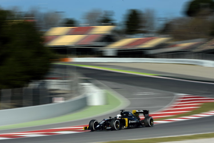 MAGNUSSEN Kevin (dan) Renault F1 RS.16 driver Renault Sport F1 team action during Formula 1 winter tests 2016 at Barcelona, Spain from March 1 to 4 - Photo Eric Vargiolu / DPPI