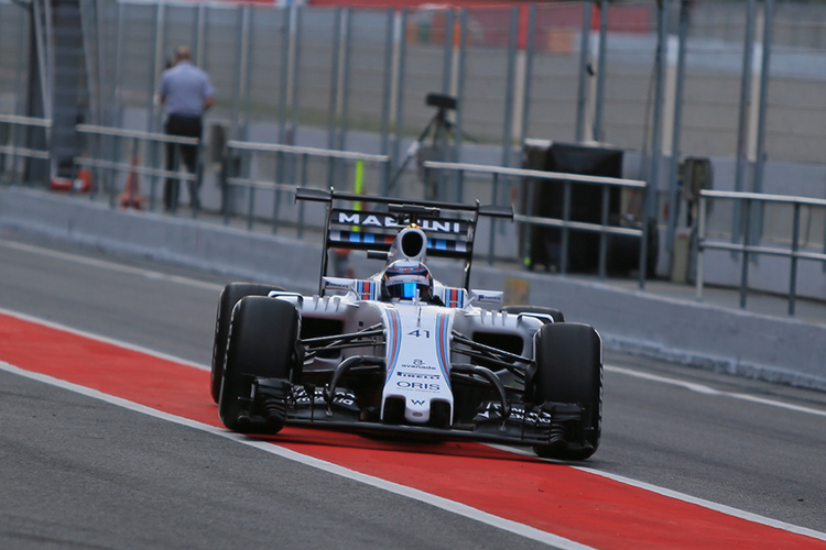 Williams run with double decker rear wing on first day of Barcelona testing