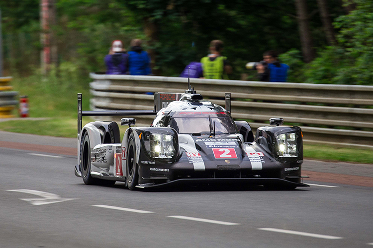 gallery 2016 24 hours of le mans lmp1 the checkered flag. Black Bedroom Furniture Sets. Home Design Ideas