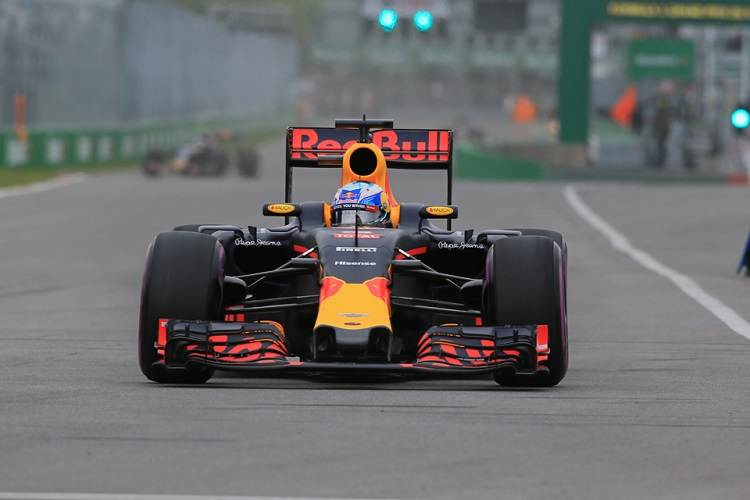 "Daniel Ricciardo: ""We didn't have the best race today ..."