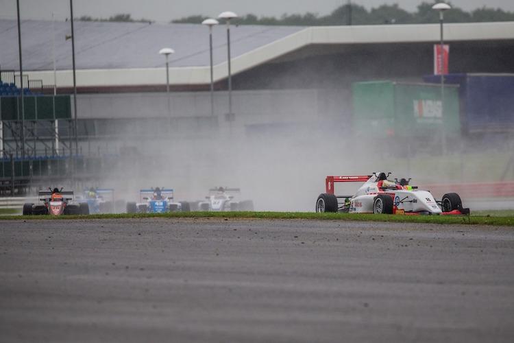 Credit: Craig Robertson/RacePhotography.net