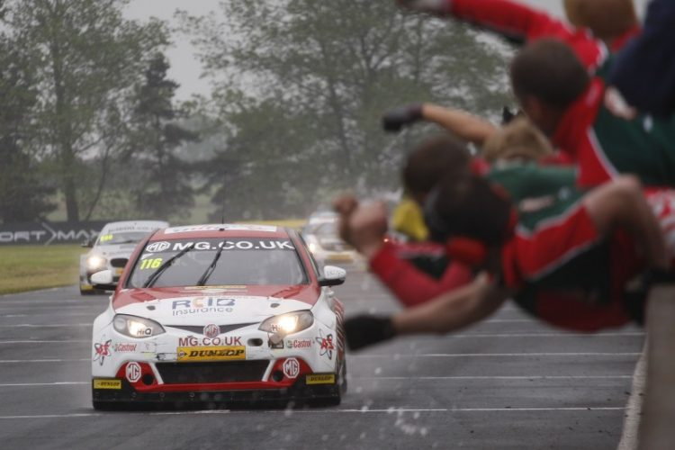 2016 BTCC Season Review: Super Shedden's Toughest Triumph