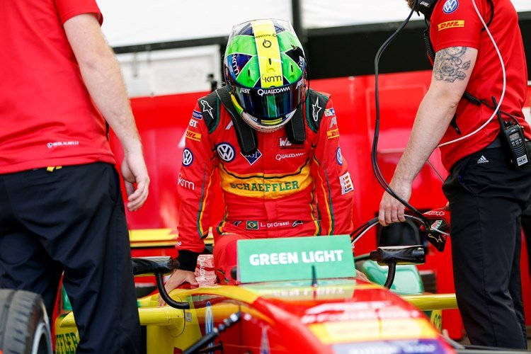 Practice Sessions. Lucas Di Grassi (BRA), ABT Audi Sport FE01. London e-Prix, Battersea, London, United Kingdom.   Saturday 2 July 2016 Photo: Adam Warner / LAT / FE ref: Digital Image _L5R1124