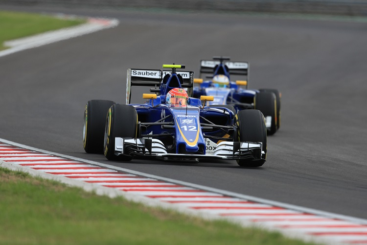 Felipe Nasr leads Marcus Ericsson - Credit: Octane Photographic Ltd