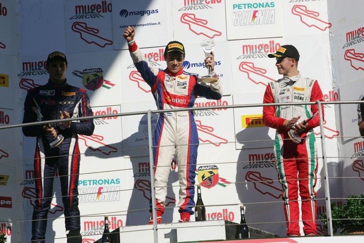 Podio gara 3, Marcos Siebert (Jenzer Motorsport,Tatuus F.4 T014 Abarth #18), Yan Shlom (RB Racing,Tatuus F.4 T014 Abarth #99), Juri Vips (Prema Power Team,Tatuus F.4 T014 Abarth #44)