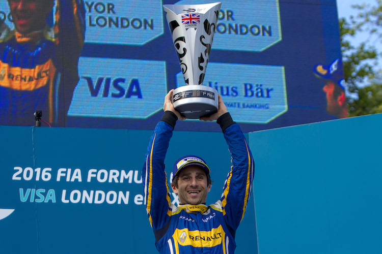 2015/2016 FIA Formula E Championship. London ePrix, Battersea Park, London, United Kingdom. Saturday 2 July 2016. Nicolas Prost (FRA), Renault e.Dams Z.E.15  Photo: Zak Mauger/LAT/Formula E ref: Digital Image _A8C9321