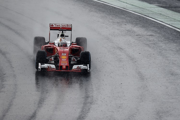 F1 drivers must pit under new radio rules