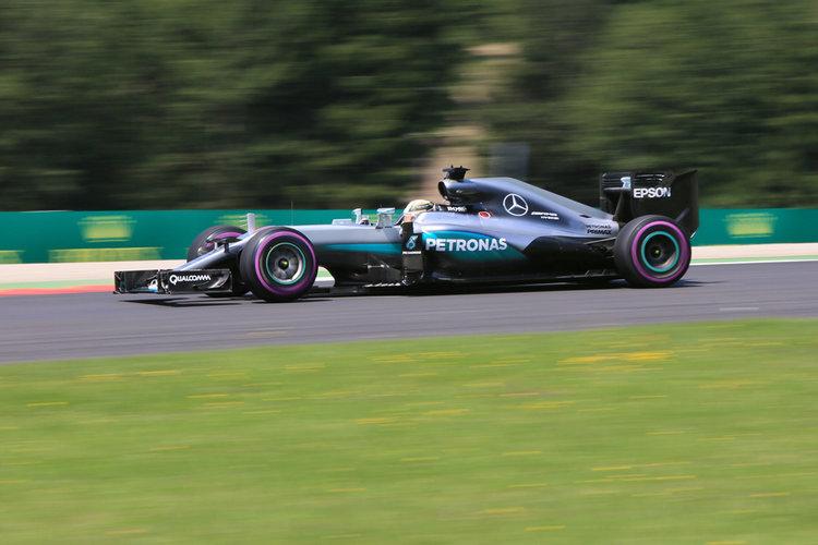 World © Octane Photographic Ltd. Mercedes AMG Petronas W07 Hybrid – Lewis Hamilton. Saturday 2nd July 2016, F1 Austrian GP Practice 3, Red Bull Ring, Spielberg, Austria. Digital Ref :1606CB5D3596