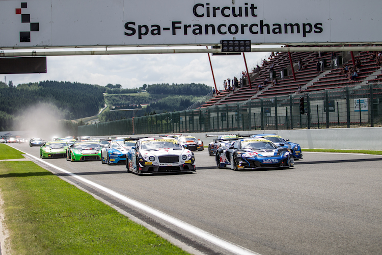 Race start British GT Spa