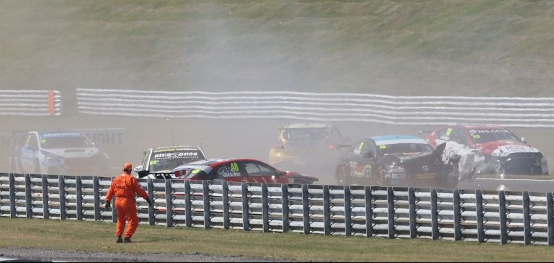 Snetterton accidents triggered alarm bells (Photo: BTCC Media)