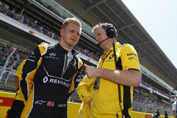 MAGNUSSEN Kevin (dan) Renault F1 RS.16 driver Renault Sport F1 team ambiance portrait, starting grid during 2016 Formula 1 FIA world championship, Spain Grand Prix, at Barcelona Catalunya from May 13 to 15 - Photo Florent Gooden / DPPI. Credit: Renault Sport Mediacentre
