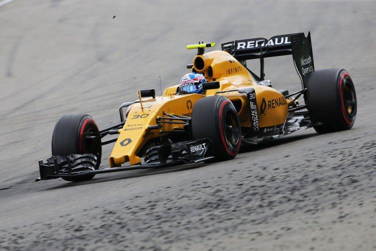 Jolyon Palmer (GBR) Renault Sport F1 Team RS16. German Grand Prix, Sunday 31st July 2016. Hockenheim, Germany. Credit: Renault Sport Media Centre