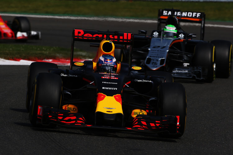SPA, BELGIUM - AUGUST 28: Daniel Ricciardo of Australia driving the (3) Red Bull Racing Red Bull-TAG Heuer RB12 TAG Heuer leads Nico Hulkenberg of Germany driving the (27) Sahara Force India F1 Team VJM09 Mercedes PU106C Hybrid turbo on track during the Formula One Grand Prix of Belgium at Circuit de Spa-Francorchamps on August 28, 2016 in Spa, Belgium  (Photo by Charles Coates/Getty Images). Credit: Red Bull Content Pool
