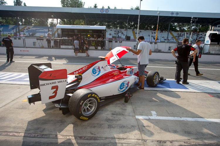 2016 GP3 Series Round 7.  Autodromo Nazionale di Monza, Monza, Italy. Saturday 3 September 2016. Alexander Albon (THA, ART Grand Prix)  Photo: Zak Mauger/GP3 Series Media Service. ref: Digital Image _L0U4958