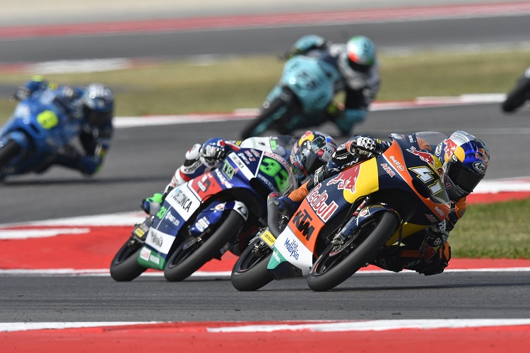 Brad Binder leads Enea Bastianini - Photo Credit: KTM
