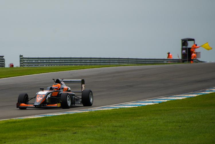 f3-donington-race-1-1-4
