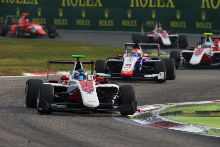 2016 GP3 Series Round 7 Autodromo di Monza, Italy. Sunday 4 September 2016. Nyck De Vries (NED, ART Grand Prix) leads Antonio Fuoco (ITA, Trident)  Photo: Sam Bloxham/GP3 Series Media Service. ref: Digital Image _SLA7401