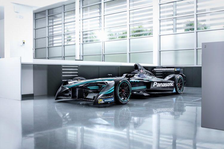 panasonic-jaguar-racing-i-type-3-4