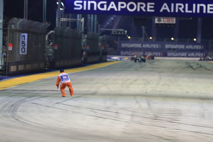 FIA will investigate the marshal incident
