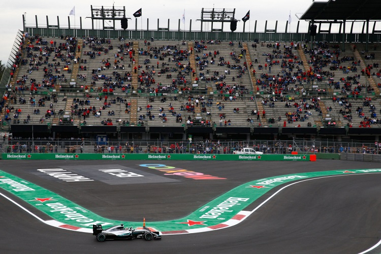 Lewis Hamilton and Nico Rosberg both off track on first lap