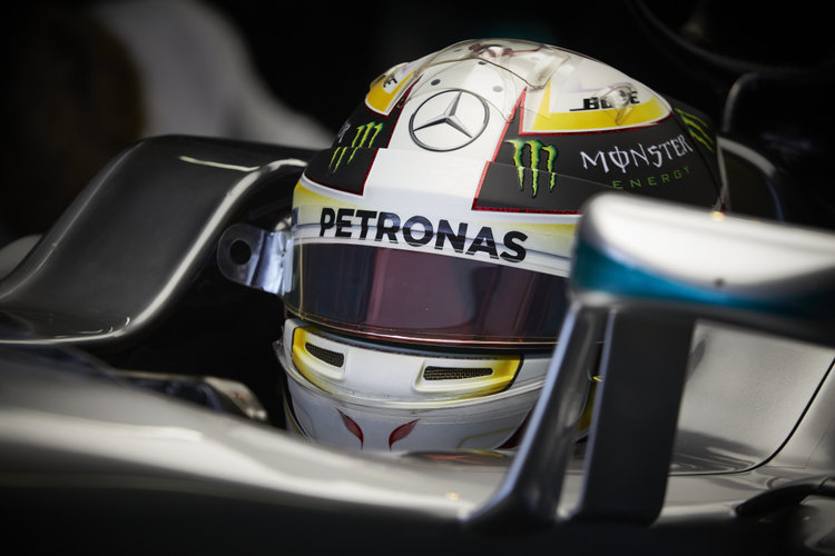 Drivers question why Hamilton not penalized on 1st turn