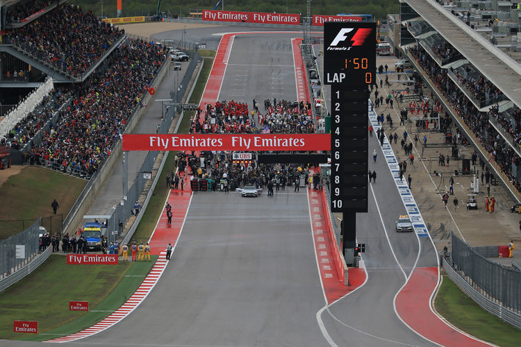 World © Octane Photographic Ltd. Mercedes AMG Petronas F1 W06 Hybrid – Nico Rosberg sits on pole. Sunday 25th October 2015, F1 USA Grand Prix Race - Grid., Austin, Texas - Circuit of the Americas (COTA). Digital Ref: 1465LB1D1603