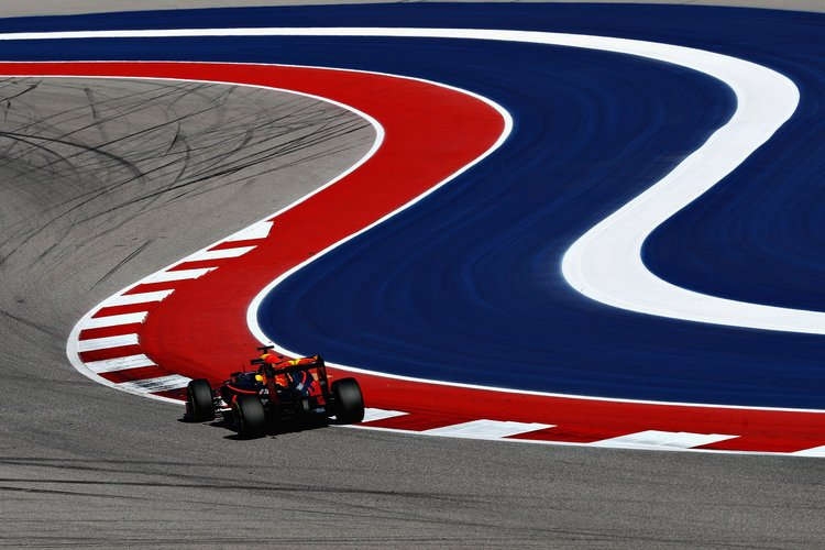 AUSTIN, TX - OCTOBER 21: Max Verstappen of the Netherlands driving the (33) Red Bull Racing Red Bull-TAG Heuer RB12 TAG Heuer on track during practice for the United States Formula One Grand Prix at Circuit of The Americas on October 21, 2016 in Austin, United States.  (Photo by Mark Thompson/Getty Images). Credit: Red Bull Content Pool