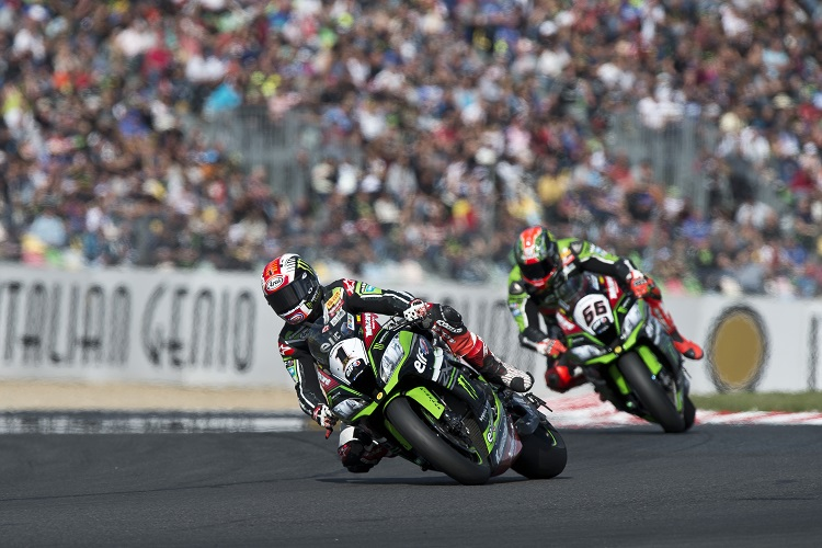 Jonathan Rea and Tom Sykes - Photo Credit: Kawasaki