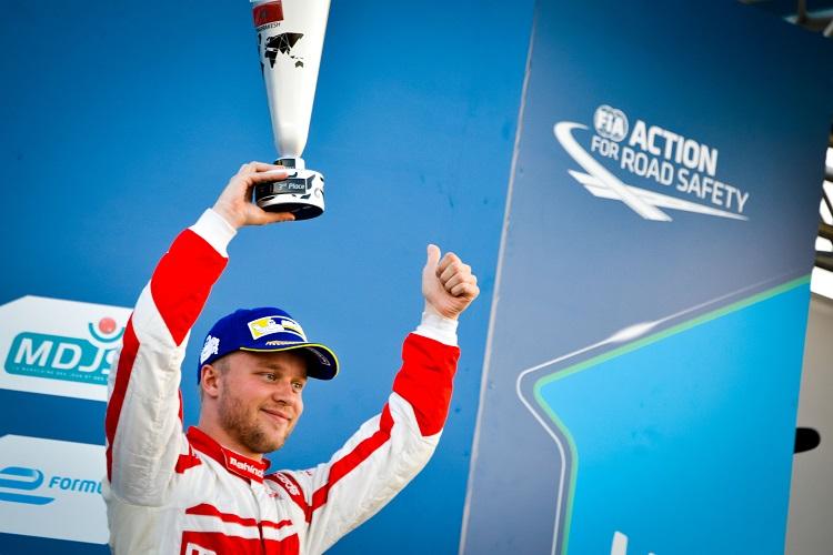 | Photographer: Marta Rovatti Studihrad| Event: Marrakesh ePrix| Circuit: CIRCUIT INTERNATIONAL AUTOMOBILE MOULAY EL HASSAN| Location: Marrakesh| Series: FIA Formula E| Season: 2016-2017| Country: MA|| Session: Race||Driver: Felix Rosenqvist| Team: Mahindra Racing| Number: 19| Car: M3 Electro|