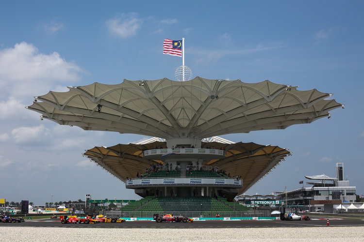 Singapore wants to drop F1 race: Ecclestone