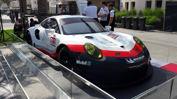 Holy Crap Porsche Finally Made A Mid-Engine 911 Race Car