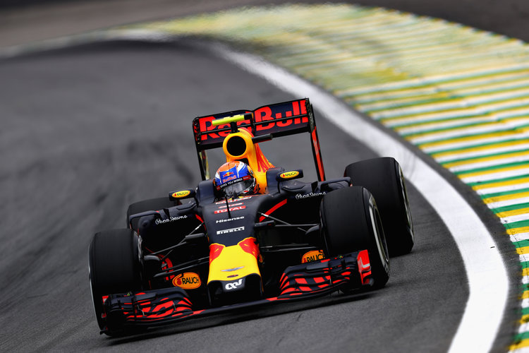 Ricciardo in trouble at Brazilian GP