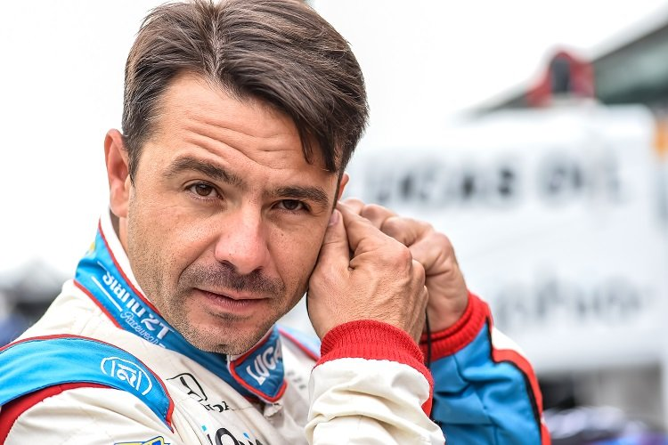Oriol Servia returns to Rahal Letterman Lanigan Racing in 2017 - Credit: Chris Owens / IndyCar