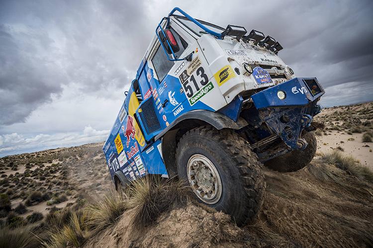 Peterhansel increases Dakar lead after stage seven