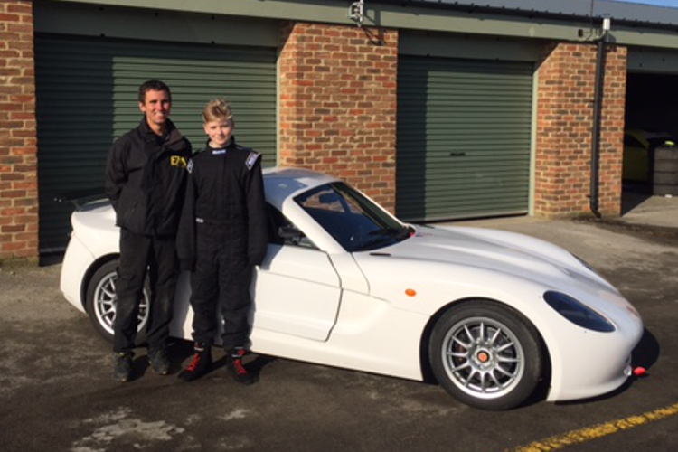 Hedley Signs Up With Elite For Junior Testing Programme