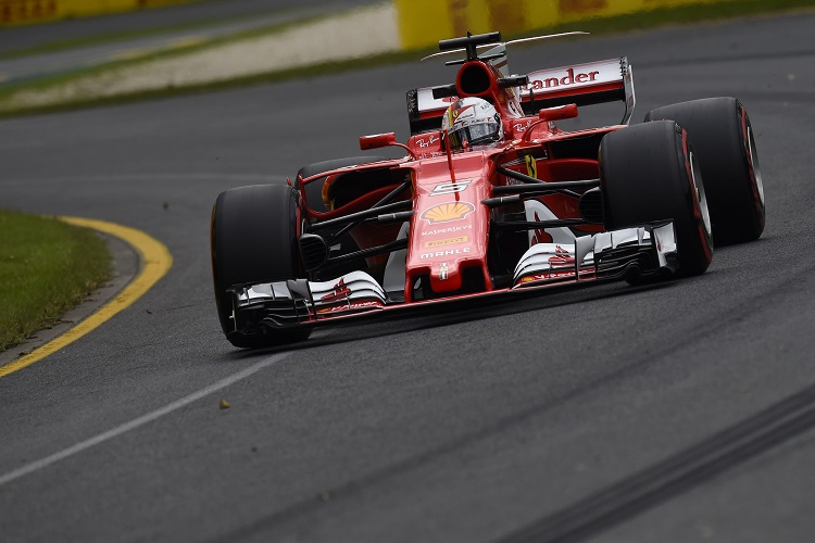 Australian Grand Prix (2017): Sebastian Vettel WINS for Ferrari - Mercedes 2nd & 3rd