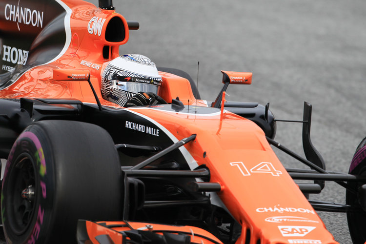 Alonso: McLaren has one problem ... Honda