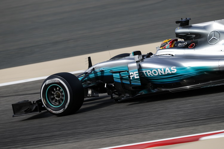 `Disappointed` Hamilton apologises to Mercedes for Bahrain GP penalty